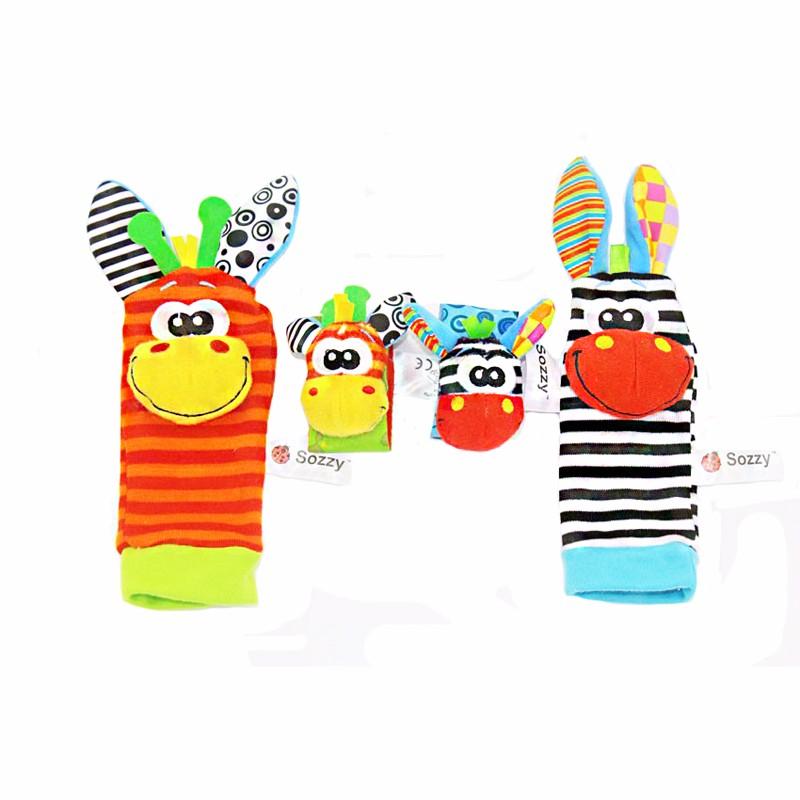 baby-sokken-rammelaars-armband_2